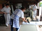 ロール状の畳を被災地へ?松本の畳店が取り組み、作業ボランティア募集