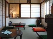 松本・蟻ヶ崎に「実家カフェ」-築50年の民家改装、昭和の懐メロ流れる