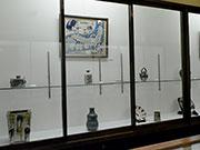 松本民芸館で「雑器の美 日本のやきもの」 日本各地で収集した器紹介