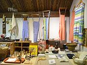 松本のギャラリーカフェで「台所展」 調理器具、布もの、本など300点