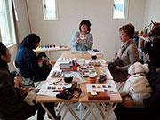 松本・梓川で犬と一緒に楽しむ教室 パーソナルカラー体験で似合う色探す