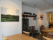 松本のイタリア料理店で画家・野村剛さん個展 「ワイン造り手の思いかたちに」