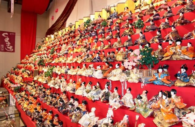 久万高原町で「くままちひなまつり」 ひな人形1万5000体展示