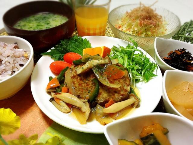 松山・久米窪田に飲食店 幅広い年代が楽しめるメニュー提供