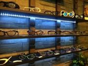 中野ブロードウェイにセレクト眼鏡店 店主DIYで店作り、視力検査も