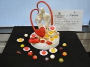 高島屋に1410万円のチョコケーキ 「ガラスの仮面」コラボチョコも