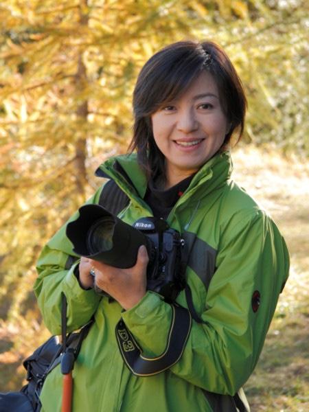 高島屋大阪店で2012年福袋発表会。写真家の<b>織作峰子</b>さんが、家族の <b>...</b>