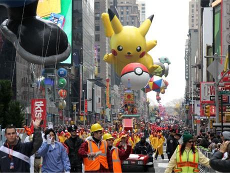 メーシーズが恒例「感謝祭パレード」-巨大バルーンがNYを行進