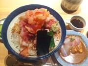 日本橋に海鮮丼専門店「つじ半」-つけ麺と天丼の人気店がコラボ開業