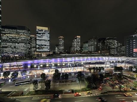 東京駅グランルーフに巨大インスタレーション作品 参加型の影絵で幻想世界描く