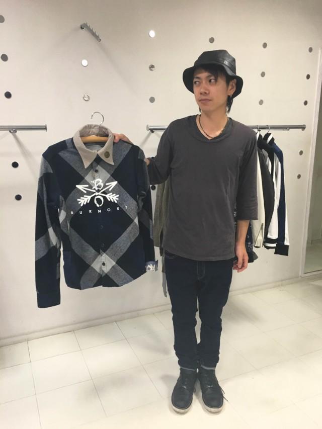 岡崎・康生にロックテイストの洋服店「モアゴーシュツー」