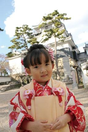 岡崎城下龍城神社で七五三参り 金メダルを思い出に