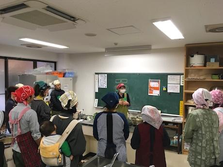 隠岐・海士町でキムチ作り講座 本場の味を手ほどき