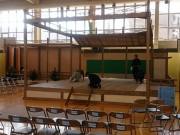 小樽・色内小学校で能楽 組立能舞台で楽器や所作を体験