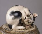 サントリー美術館で「宮川香山」展 リアルな「猫」などを陶芸で表現
