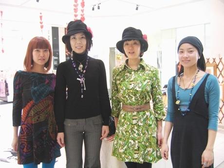 ラシックで4人の女性アーティストによる「つながり展」