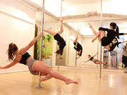三軒茶屋のポール&ダンススタジオが9周年 ストレッチ重視で「女性らしいライン」強調