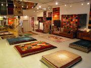 三軒茶屋の家具店で「アートギャッベ展」 イランの厳選手織りじゅうたん200枚