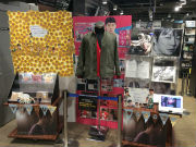 TSUTAYA三軒茶屋店で韓国ドラマ「匂いを見る少女」展 劇中の衣装と台本