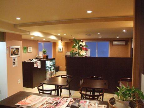 札幌に石焼きカレー&ハンバーグ店「まさら也」-石焼きの器で提供