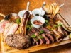 大阪・本町に肉料理メインのカフェ「ニックストック」 1キロの肉盛りメニューも