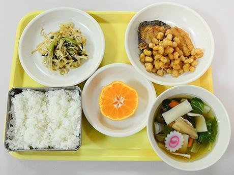 仙台市役所の食堂で「学校給食フェア」 仙台産大豆と野菜使う小中学の献立提供