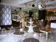 渋谷にカフェ「フレイムス」新業態店-店内に世界のアンティーク