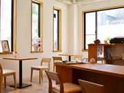下北沢にドイツ風スイーツのカフェ「アイヤーシャーレ」-住宅街の客層を意識