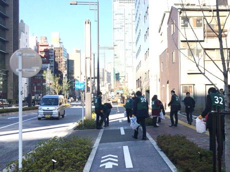 「グリーンバード」虎ノ門チーム、新虎通りで2017年最初の清掃活動
