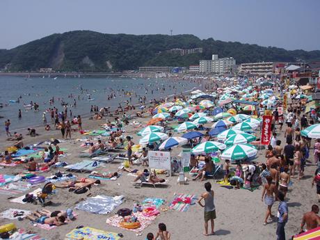 湘南の人気海水浴場その3は逗子海岸海水浴場