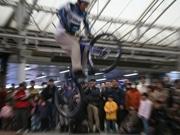 平塚競輪場「自転車フェス」で最新モデル展示-バンク試乗走行も