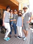 鎌倉で「ボーダー」フェス ボーダー柄の服装で買い物や食事楽しんで