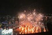 シンガポール・マリーナ湾全域2千発の花火で幕開け
