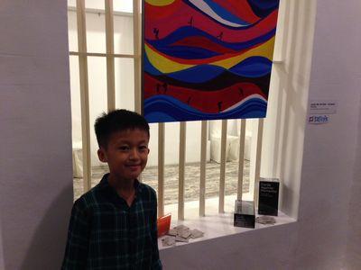 星でアートショー 最初に売れた作品は10歳の少年による絵画