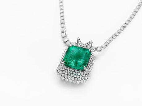 東京ビッグサイトで「国際宝飾展」 総額3億円超のダイヤモンドジュエリーセットも