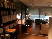 富山市の街なかにカフェ 幅広いジャンルのレコード、雑誌そろえる