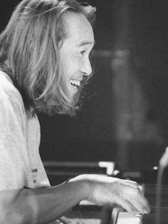 高岡市のカフェでピアニスト・小島良喜さんソロライブ
