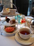 バンクーバーに紅茶専門店-サロン併設し、ダウンタウンのくつろぎの空間に