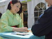日本の女流棋士を招いて将棋普及イベント バンクーバー日本語学校で
