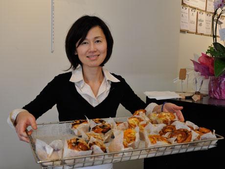 バンクーバーで日本人パティシエがベーカリーカフェ 手作りパンやケーキなど