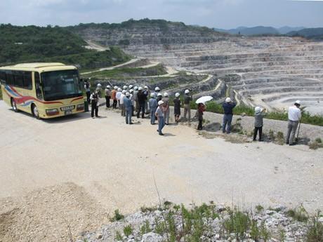 山口宇部経済新聞産業観光「大人の社会派ツアー」、始まる-広域宇部圏をバスで巡る
