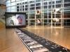 「橋の上で30日間踊り続けた」カナダ人振付家の記録映像展