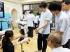 山口で「ロボットスーツ」体験 理学療法士の卵、最先端技術に驚き