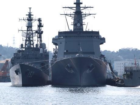 横須賀で米海軍・海自基地を開放-米軍基地で花火大会見物も 海上自衛隊基地、米海軍基地が隣接する横