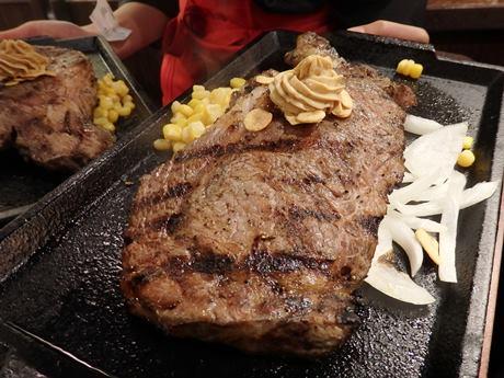 米国人多い横須賀に立ち食い店「いきなりステーキ」、NY進出の ...
