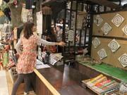 あべのキューズモールの忍者グッズ店で「手裏剣グランプリ」開幕