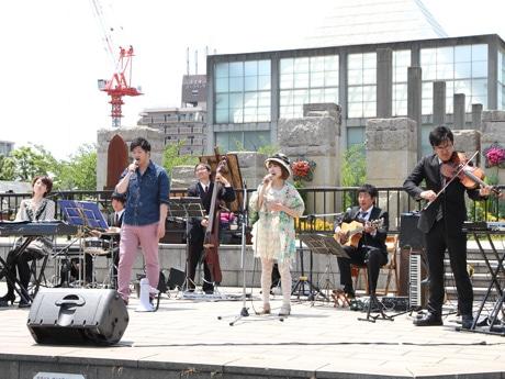 天王寺公園で通天閣交響楽団がライブ、水谷天王寺区長も参加