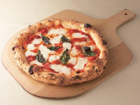 イタリア展でナポリの職人が焼くピッツアを提供(写真=マルゲリータ エクストラ)