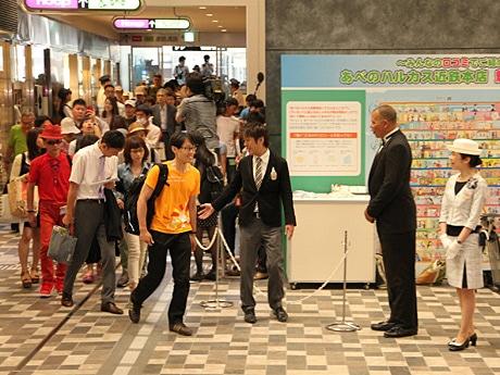 日本一高いビルに「あべのハルカス近鉄本店」が先行オープン