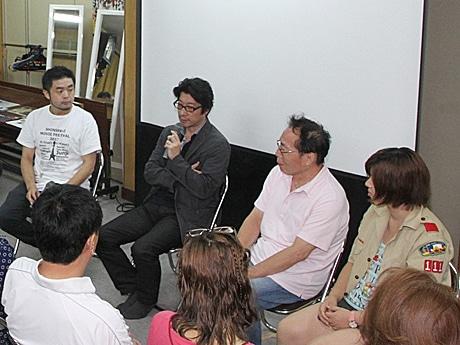 新世界映画祭でトークショー(左から武田監督、阪本監督、ひろ子さん、安福さん)